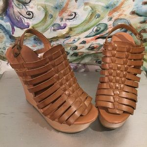 Mossimo supply co. Wedge size 7